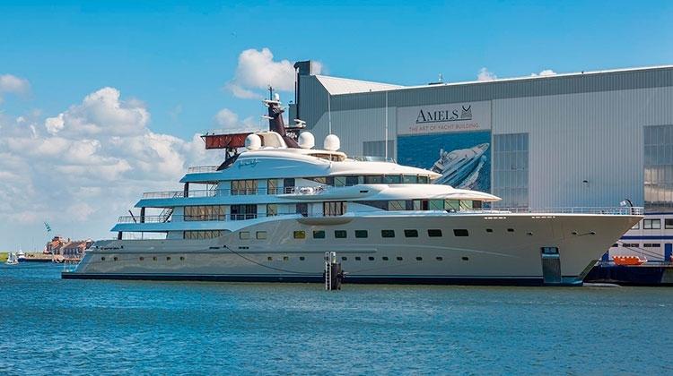 Amels спустила на воду 83-метровую яхту Here Comes The Sun