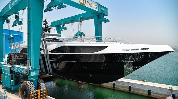 Gulf Craft спустила на воду яхту Ghost II (Majesty 122)