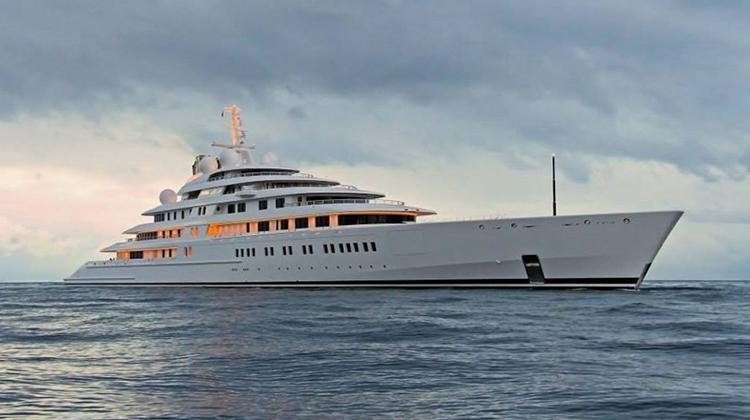 Azzam – самая большая в мире яхта (фото и видео)